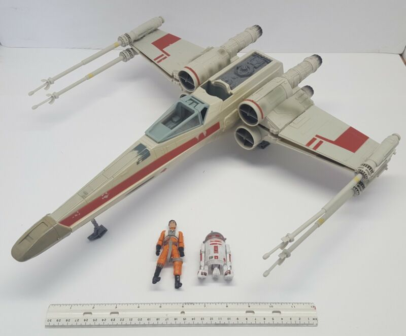 """2002 Hasbro Star Wars X-Wing Fighter C-001C 19.5"""" With Pilot & Droid Figures"""