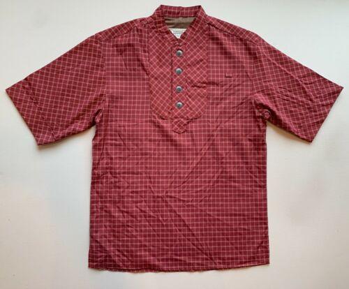 Disney Worldwide Service Cast Member Uniform Top Short Sleeve Shirt Unisex Sz S