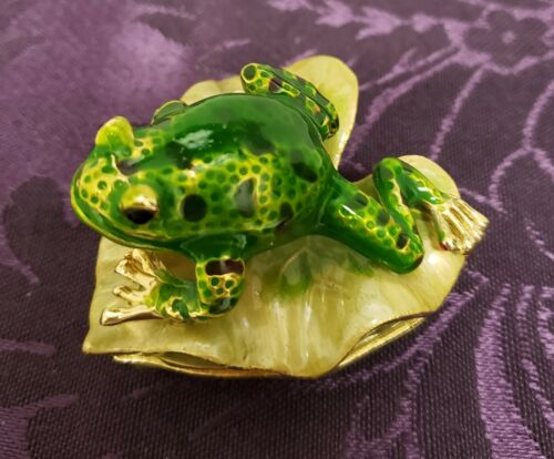 Frog on Lily Pad - Trinket Box