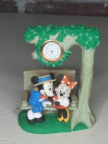 Mickey Unlimited Verichron Collectible Timepiece Mickey & Minnie on Swing Clock