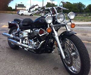 Sold - Yamaha V-Star 650 Custom - 2001