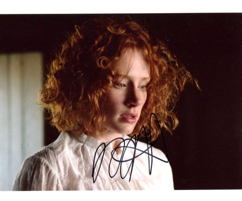 ACTRESS Bryce Dallas Howard autograph, signed photo