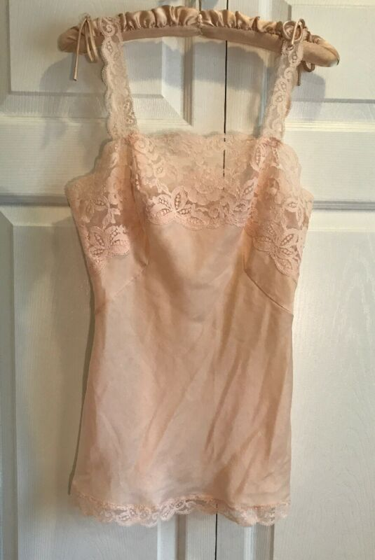 OLGA Vintage Lace Camisole Hip Length ~ Peach / Pink ~ Style 838 ~ Size 30 / XS