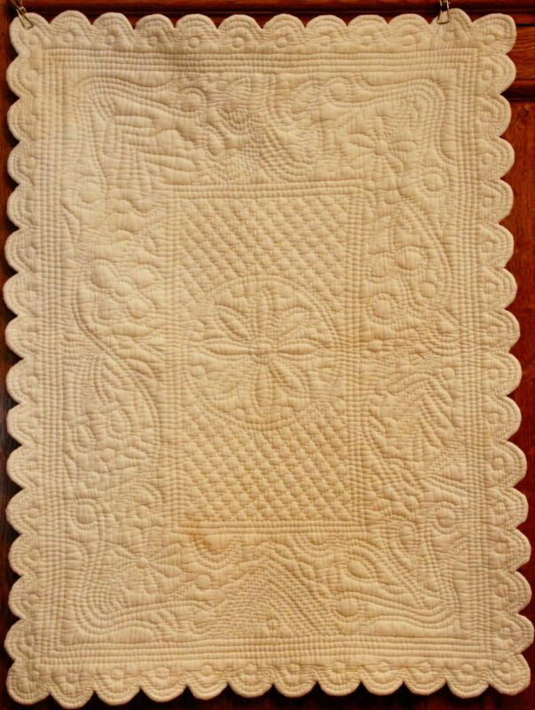 WHOLE CLOTH FRENCH WHITE ANTIQUE CRIB BABY TABLE QUILT ~ DENSE HAND QUILTING