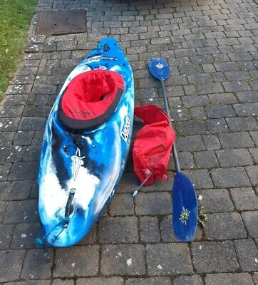 Dagger Showdown Kayak, paddle and Spray deck. In good condition, not used often.