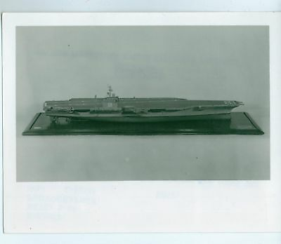 VINTAGE 5X4 PHOTO NAVY PICTURE OF NUCLEAR POWERED MODEL 5 Atomic Models