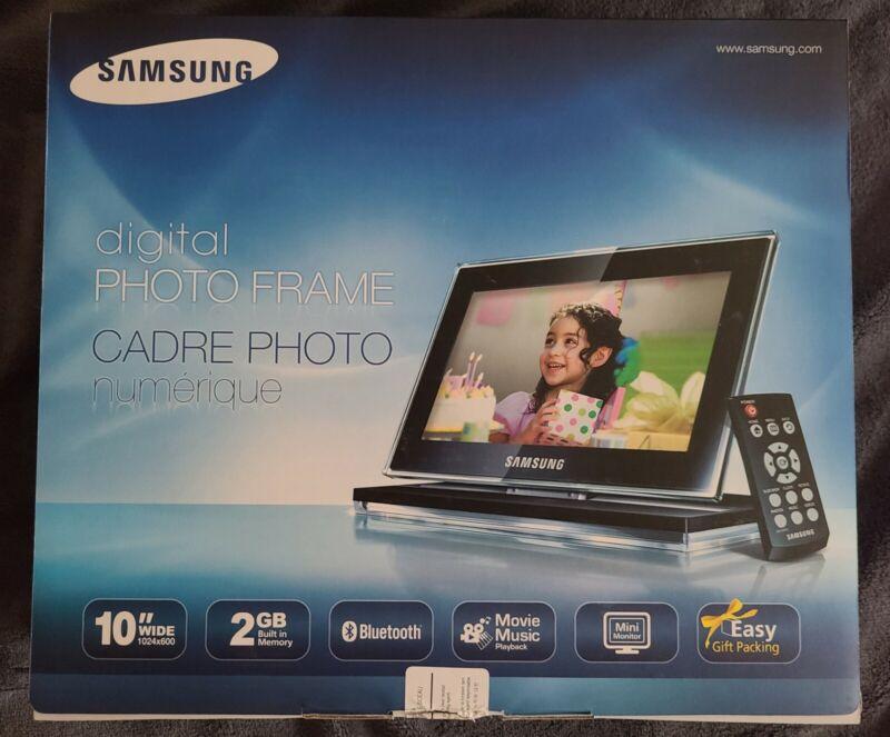 "Samsung 10"" Ultra Thin Mini Monitor 2GB Digital Picture Frame - Brand New!"