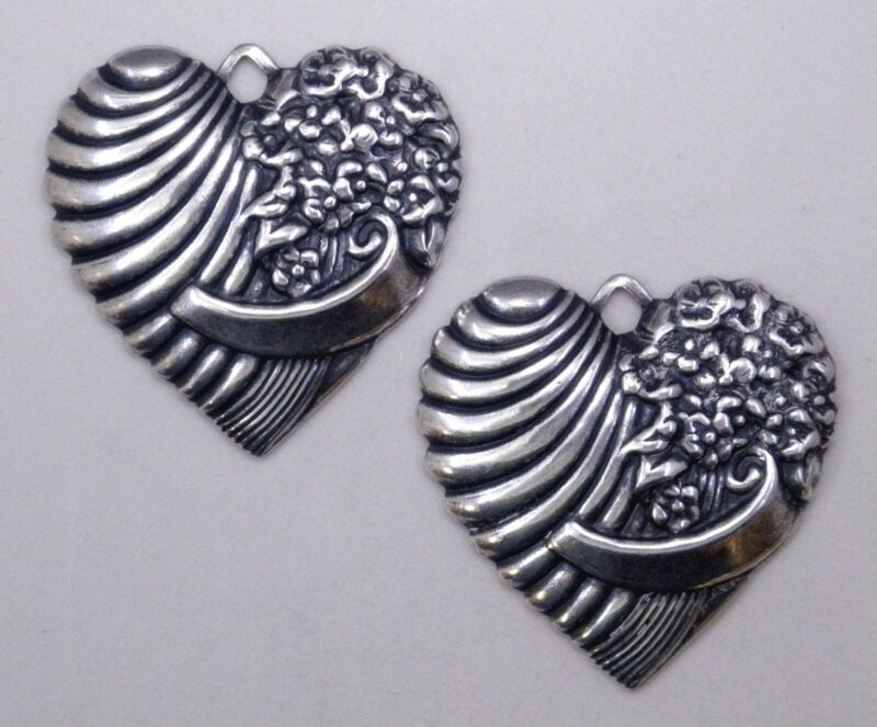 #0212 LARGE ANTIQUED SS/P RIBBED FLORAL HEART W/TOP HANG RING - 2 Pc Lot