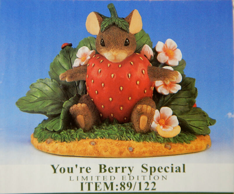 """Charming Tails """"YOU'RE BERRY SPECIAL"""" Ltd. Ed. Charity Mouse Figurine NIB"""