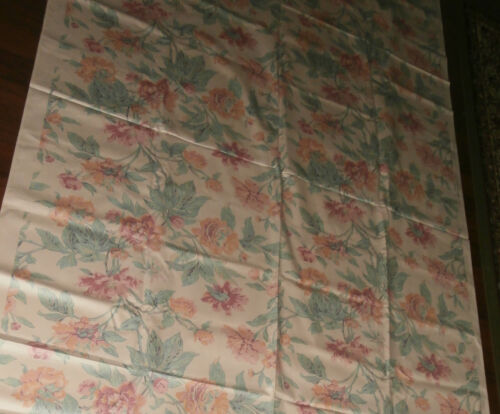 Lovely Vintage Floral Screen Print Huntington Fabric 111 x 55 Inches Unused