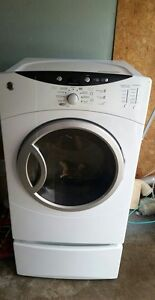 GE Electric Dryer with pedestal
