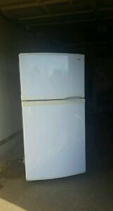 Kenmore 21cu.ft Refrigerator, free delivery