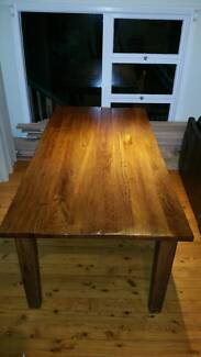 Dining table Bayview Pittwater Area Preview
