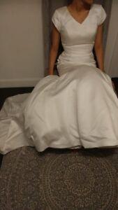Robe de mariée ivoire NEUVE jamais portée