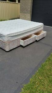 Queen bed mattress and base Wollongong Wollongong Area Preview