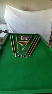 8ft x 4ft full slate pool table and accessories. Urangan Fraser Coast Preview