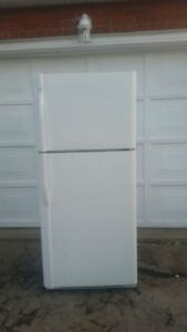 Kenmore 18cu.ft. Refrigerator, free delivery