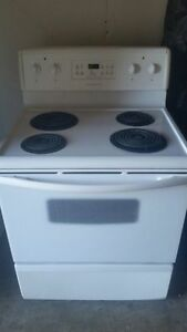 Frigidaire Electric Stove, free delivery