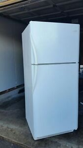 Frigidaire 21cu.ft. Refrigerator, free delivery