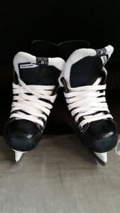 Bauer ice skate kids size 9 and size 10