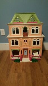 *New Price* Doll House