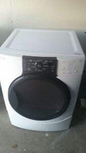 Kenmore HE4 Electric Dryer, free delivery
