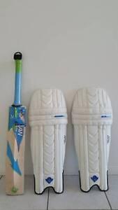 NEW Cricket bat - FREE PADS - Junior Bridgeman Downs Brisbane North East Preview