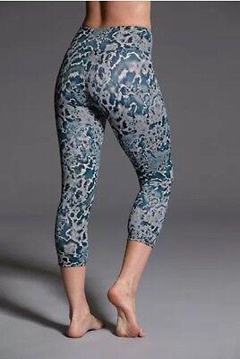 NWT Women Onzie Capri Pants -Downpour Watch - Multicolor Drifit Yoga Active Pant XS