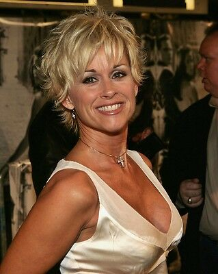 Lorrie Morgan 8 x 10 / 8x10 GLOSSY Photo Picture