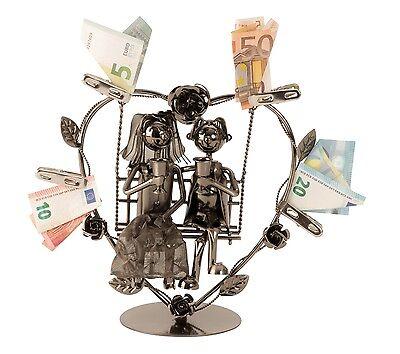 Modernes Metall-Hochzeitspaar auf einer Schaukel für Geldgeschenke Höhe 24 cm