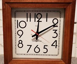 Seth Thomas Square Wood Framed  Battery Operated Wall Clock. 2467A