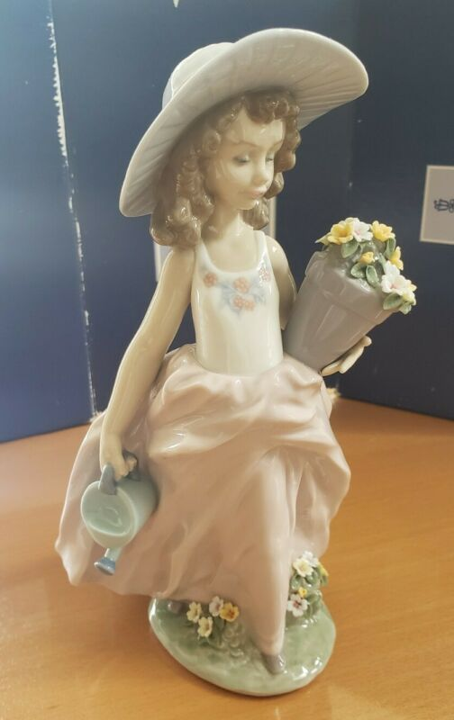 Lladro 7676 A Wish Come True - Mint Retired Lladro Figurine w/box