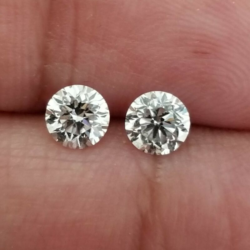 .75/.80 Ct ,2 pcs Round Cut, 4.3/4.6 mm White Color E SI1 CVD/HPHT Diamond