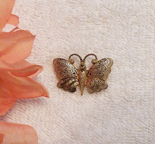 CLASSIC STYLE PIN BROOCH BUTTERFLY SUMMER INSECT ANTENNAE WINGS GOLD TONE VL-N