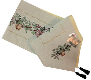 Winter > Christmas & > Holiday Garden table &   runner & Decor  Home Seasonal tapestry Linens >