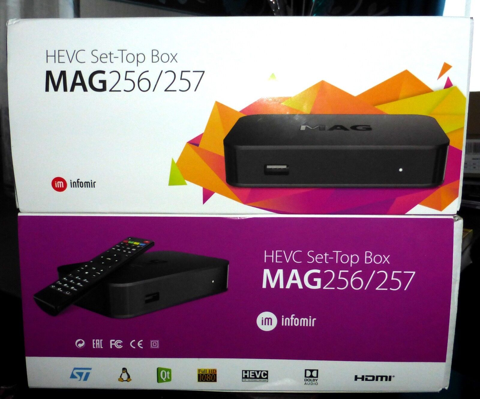 *MAG256/257 genuine IPTV Box with UK plug and12 month Premium IPTV subscription.