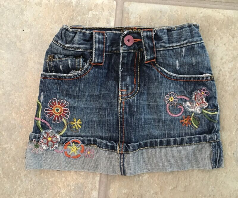 Chldren's Place Girl's Size 3T Awesome Denim Cuffed Skort With Floral Pattern