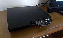320gb PS3 slim, 2 controllers 3 games