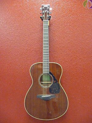 Yamaha FS850 Concert Size Acoustic Guitar, Solid Mahogany Top,