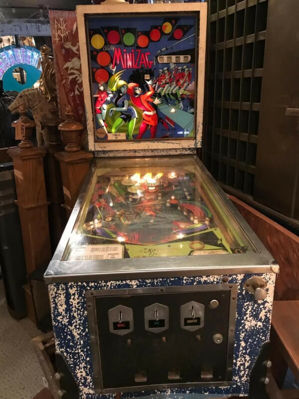 Rare VINTAGE BALLY TILTED MINI ZAG PINBALL MACHINE