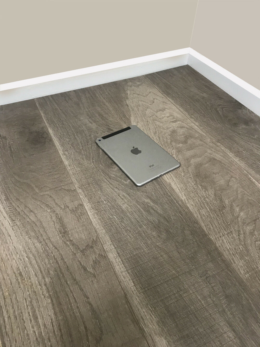 Grandismo 8mm Laminate Flooring Modern Chestnut V Grove Embossed Quality