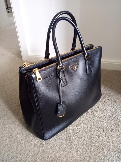588d3be3d2d9 GENUINE Prada Black Saffiano Tote Bag Large  1499 NON ...