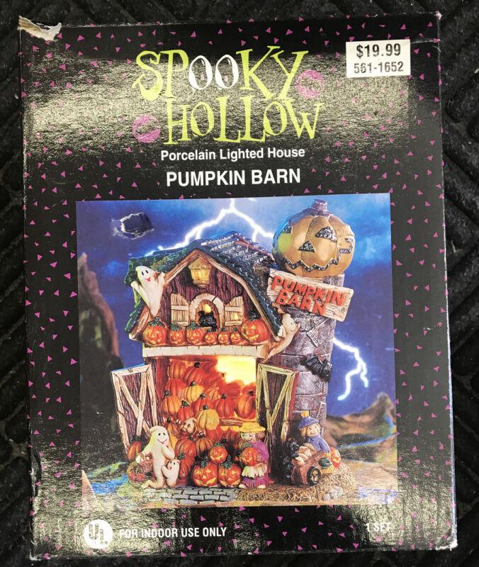 2001 Spooky Hollow  Pumpkin Barn Porcelain Light Up House Halloween Decoration