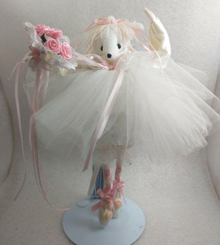 Handmade Felt Lacy Ballerina Bride Poseable Mouse Gift Pink Roses Details Vintag