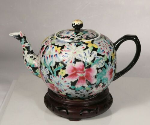 19th Century Qing Dynasty Antique Chinese Famille Rose Teapot Millefleur Pattern