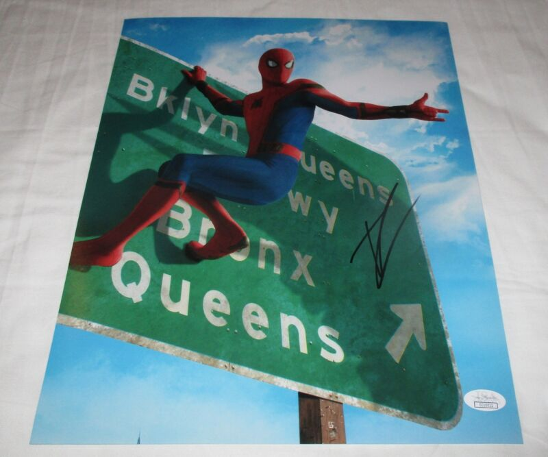 TOM HOLLAND SIGNED SPIDER-MAN HOMECOMING 11X14 PHOTO 3 JSA
