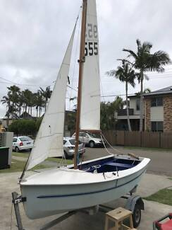Heron class sailboat (polyester) and trailer for sale