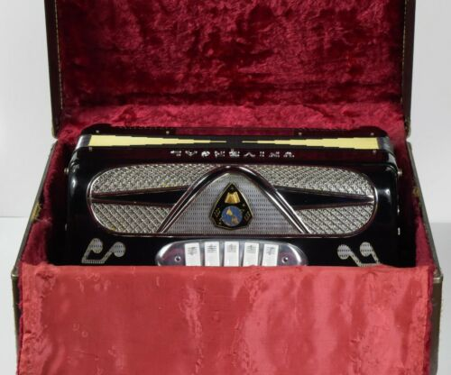 Universal 41 Key 120 Bass Made In Italy Accordion