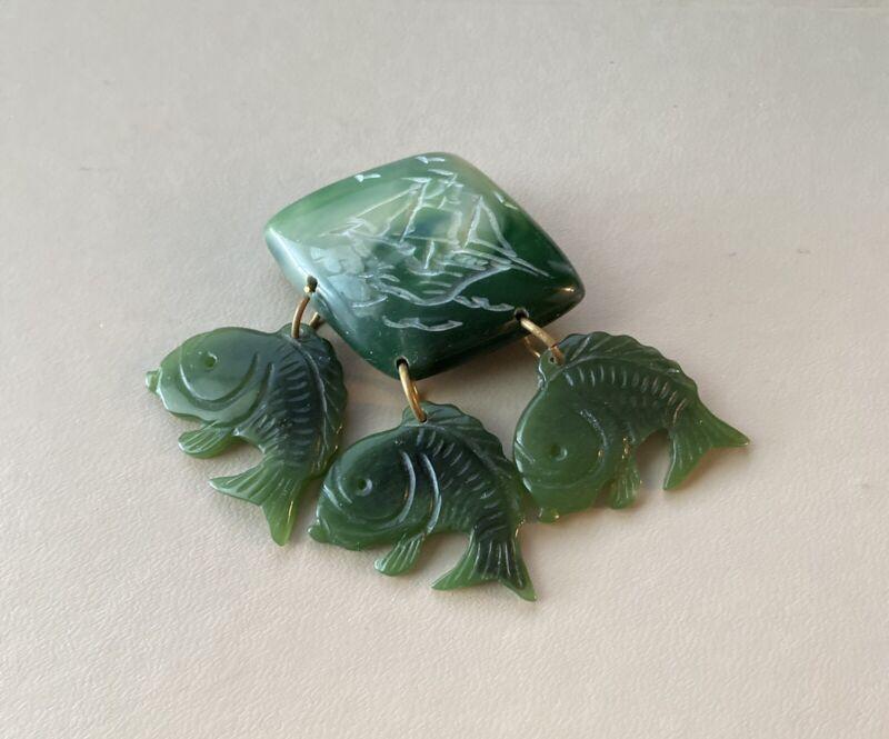 """Beautiful  Vintage  Plastic Brooch w  3 Fish /boat Green EUC3"""""""