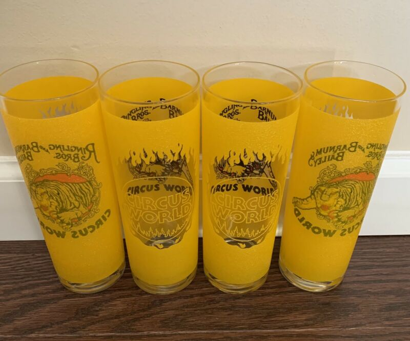 Set of 4 Vintage Ringling Bros Barnum Bailey Circus See-Through Glasses Cups